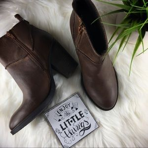 """🎉 Steve Madden """"RADIOO"""" stacked ankle boots"""
